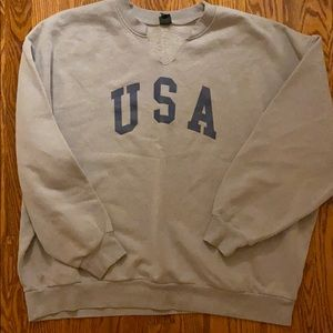 USA sweatshirt with cut